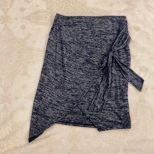 GAP Petite XS Black & Grey Skirt